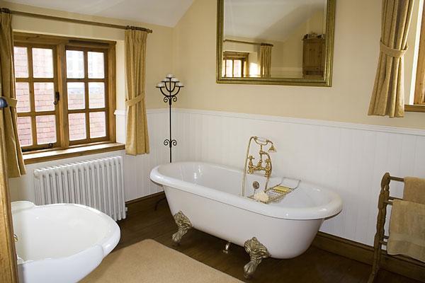 Bagno Con Vasca E Doccia Rivestito Stile Retro Interior Design : Arredare il bagno con le tendenze del arredo