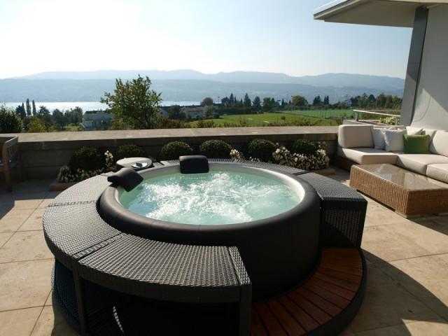 http://www.arredotendenza.it/wp-content/uploads/2014/01/minipiscina-spa-terrazza.jpg