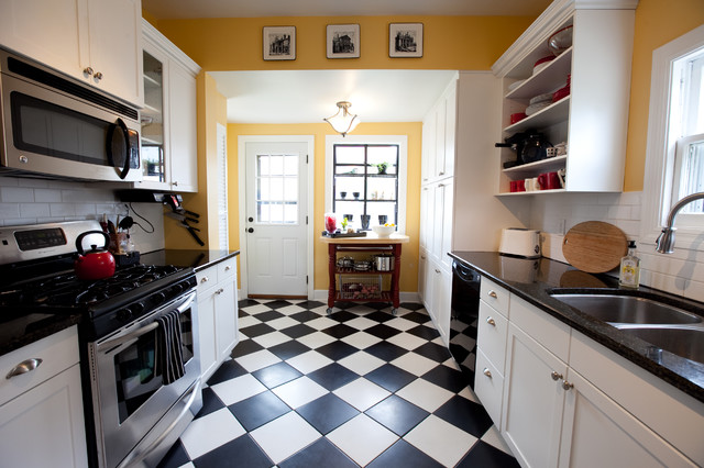 Linoleum per la casa White kitchen floor tile ideas